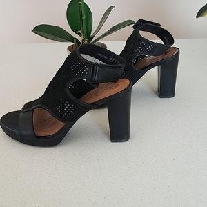 Comfy Clark's heels